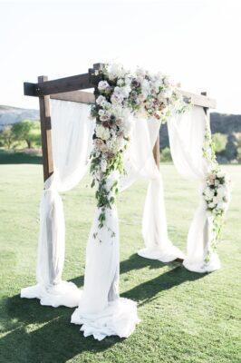 20 SUPER Romantic Beach Wedding Decor Idea Will Fascinate You-Aliens Tips