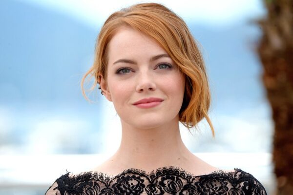 Emma Stone aliens tips Who Is The Most Kindest Celebrity In The World? - Aliens Tips.