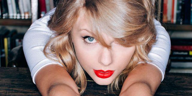 Taylor Swift aliens tips Who Is The Most Kindest Celebrity In The World? - Aliens Tips.