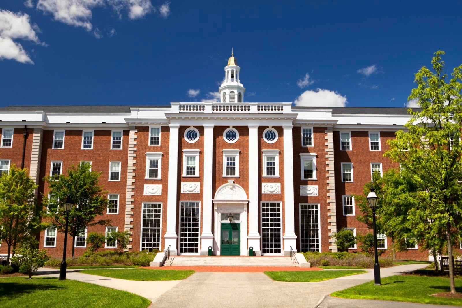 How To Gain admission to Harvard University? Is it hard? aliens tips