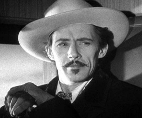 John Carradine alienstips.com What actor has been in the most movies?What actor has been in the most Hollywood movies?