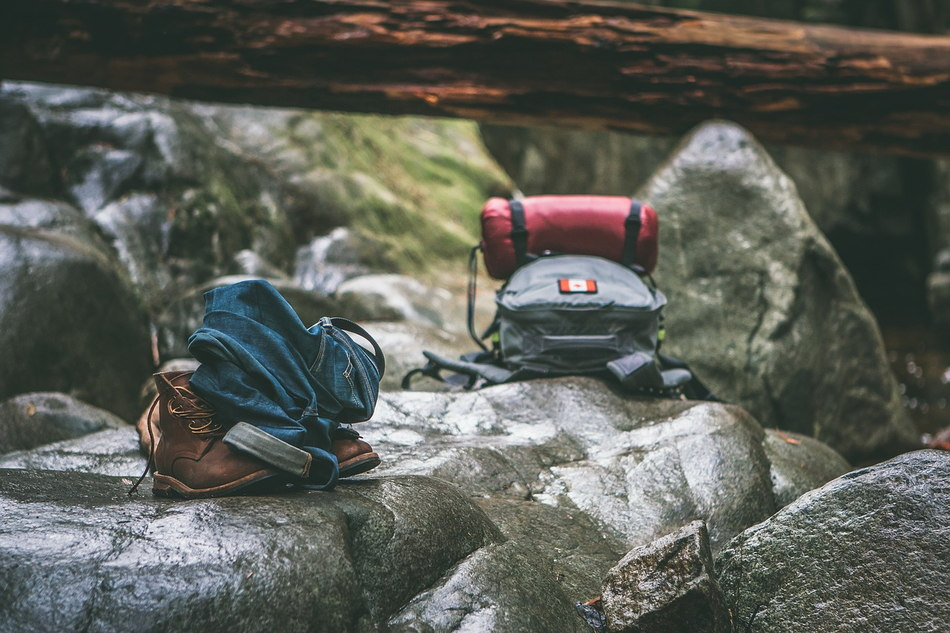 What Do I Need For My First HIKING Trip? Hiking Essentials.Alienstips.com
